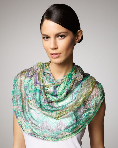 Missoni Zigzag Knit Infinity Scarf in Green (green blue multi)