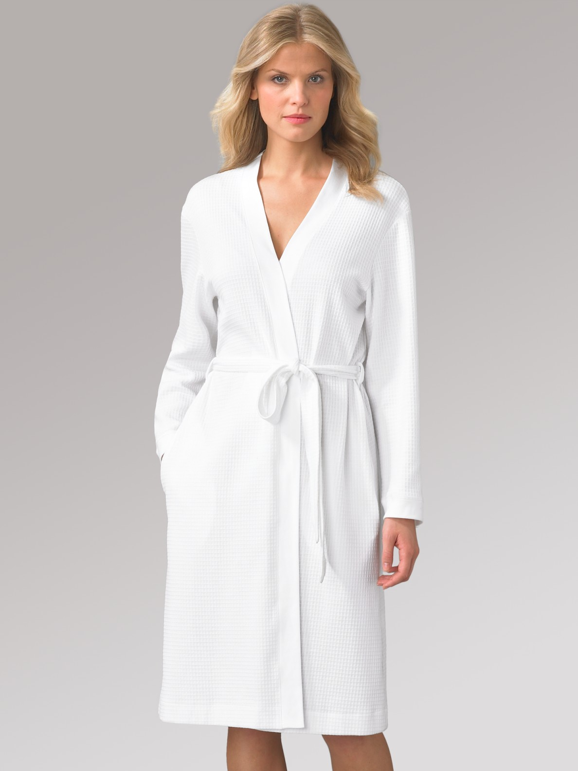 hanro short waffle knit robe in white lyst