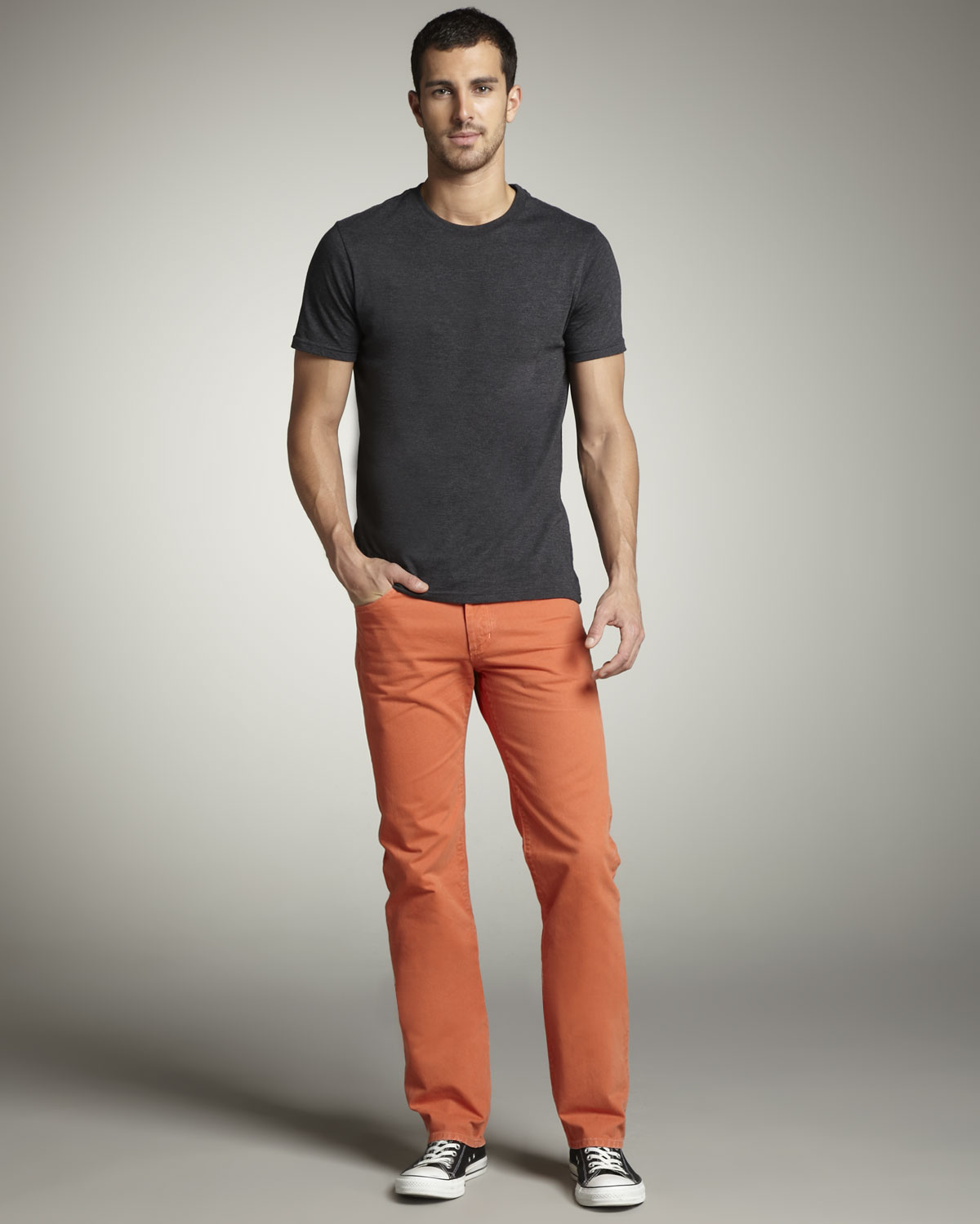 Orange pants have been in vogue and can be seen being sported by both men and women. Men's Outfits with Orange Pants. The phrase orange is the new black has been trending for quite some years now and it has definitely left its influence on the fashion world too.