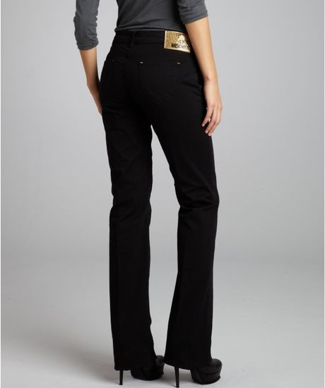 Known for its flawless fits, innovative washes and luxe fabrics, these premium jeans combine leg-lengthening and slimming silhouettes while providing ultimate comfort. Free shipping on orders $75+ within the US & easy returns.