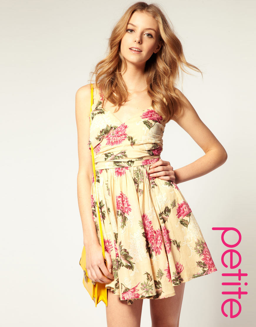6efe9022a31 Lyst Asos Collection Pee Printed Summer Dress With Twist Bust