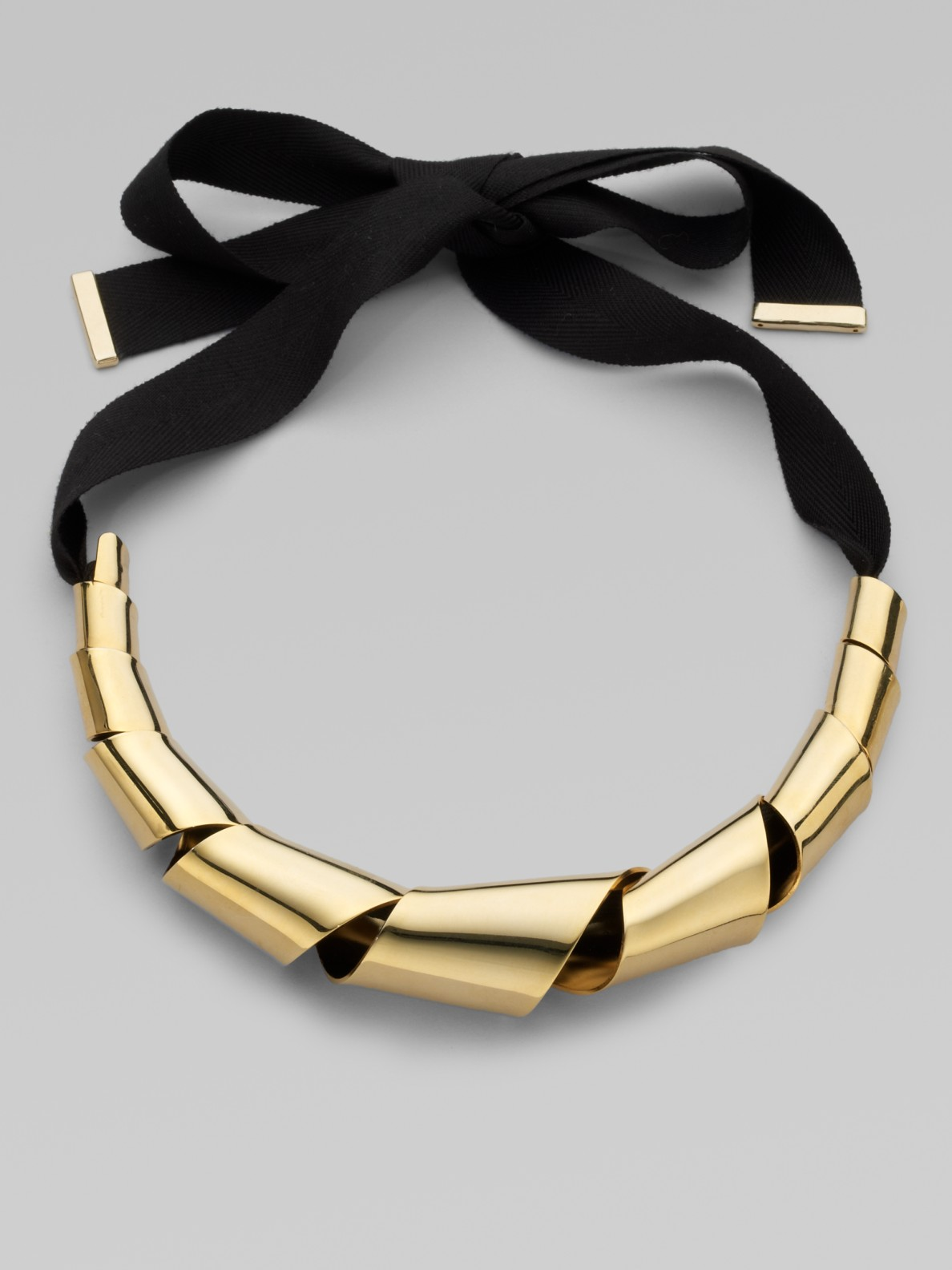 Marc By Marc Jacobs Twisted Metal Ribbon Necklace In Gold