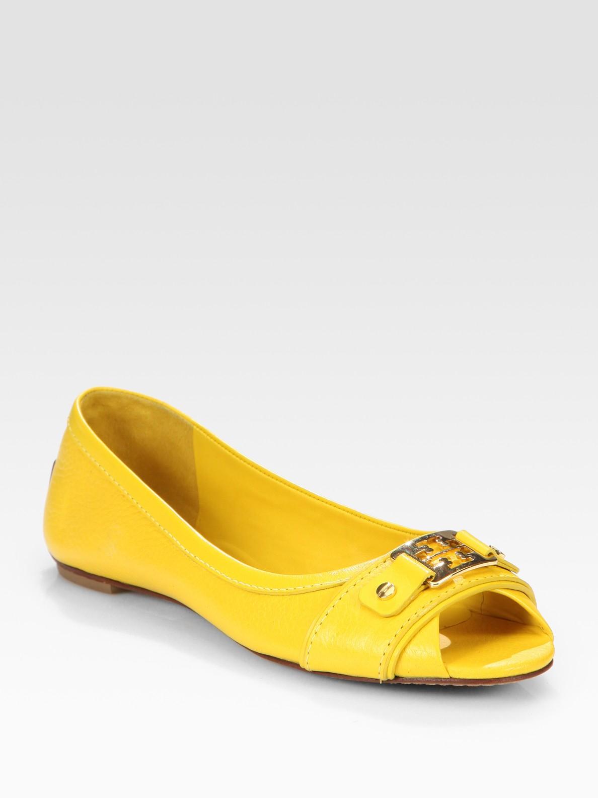 9b5e6924fc78 Lyst - Tory Burch Cline Leather Peep Toe Logo Ballet Flats in Yellow