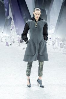 Chanel Fall 2012 Gray Sleeveless Dress With Oversized Pockets - Lyst