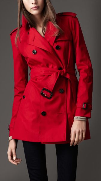 Burberry Short Cotton Blend Heritage Trench Coat In Red