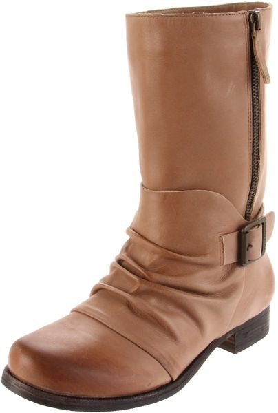 Vince Camuto Womens Shada Bootie in Brown (mushroom)