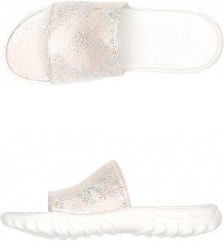 Christopher Kane Metallic Brocade Sandals in White