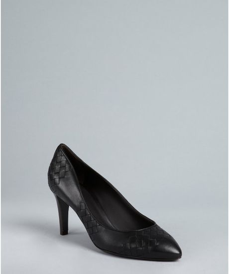 Bottega Veneta Black Intrecciato Leather Pointed Toe Pumps in Black - Lyst