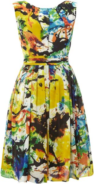 http://cdna.lystit.com/photos/2012/04/21/ellen-tracy-multi-coloured-tropical-print-dress-product-1-3331699-548395117_large_flex.jpeg