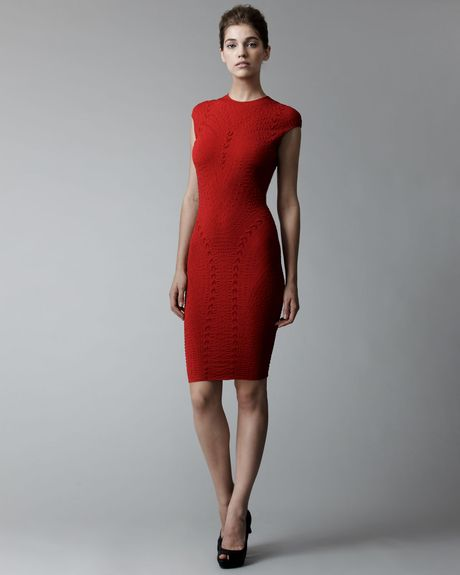 Alexander Mcqueen Patterned Knit Sheath Dress in Red (rasebr) - Lyst