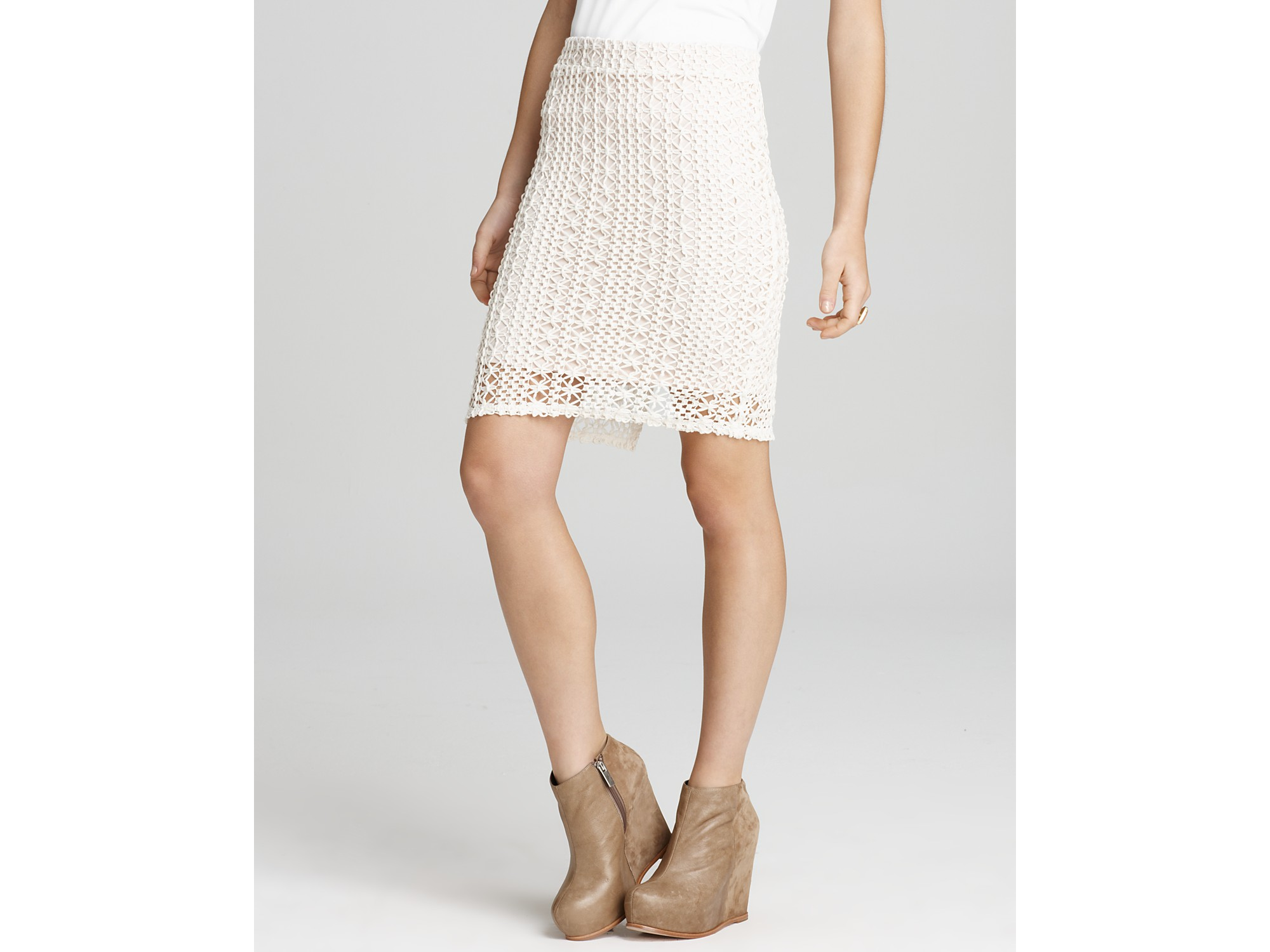 free skirt lace crochet pencil in white ivory
