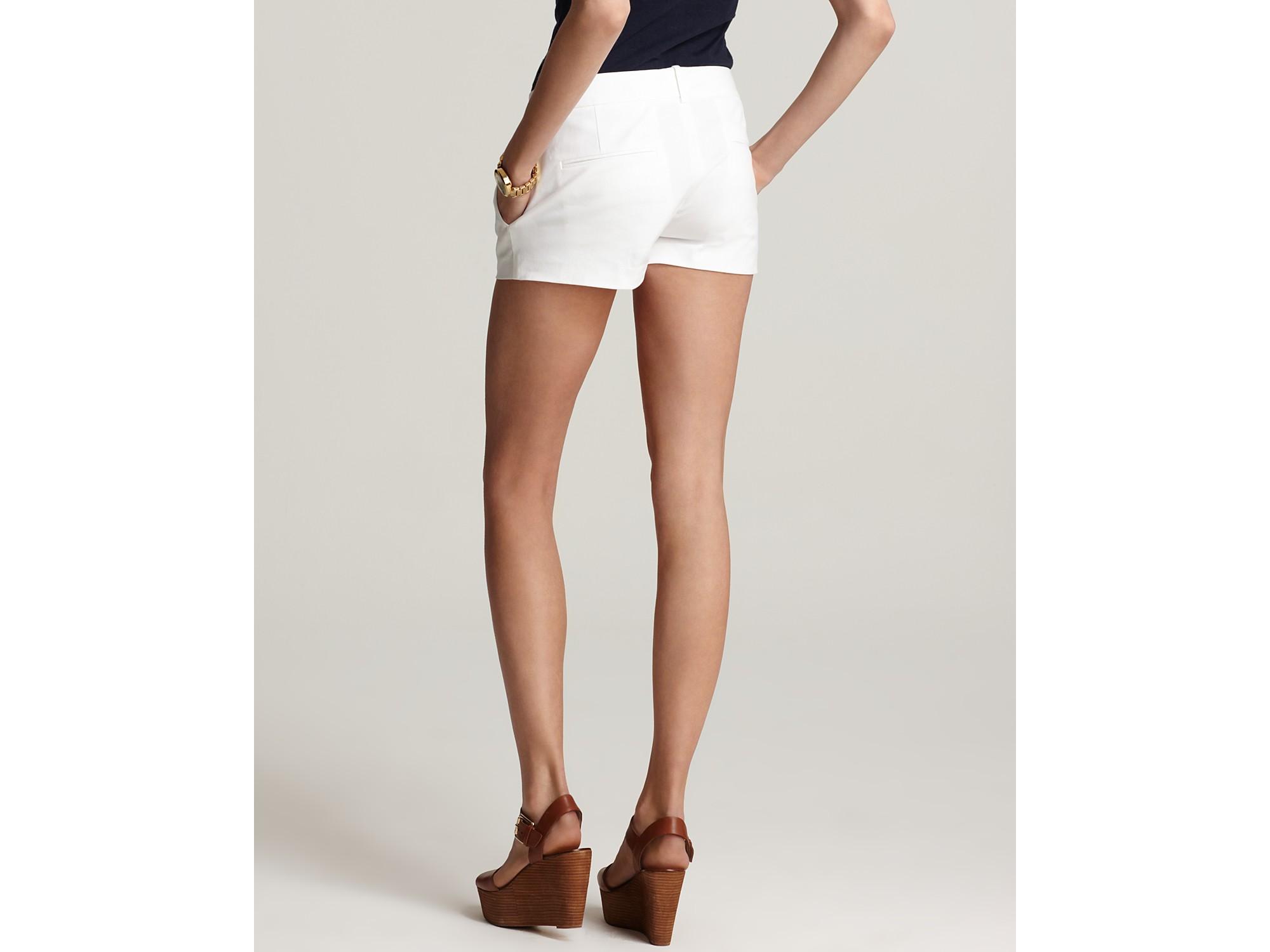 Theory Shorts Yanima Stretch Shorts in White | Lyst