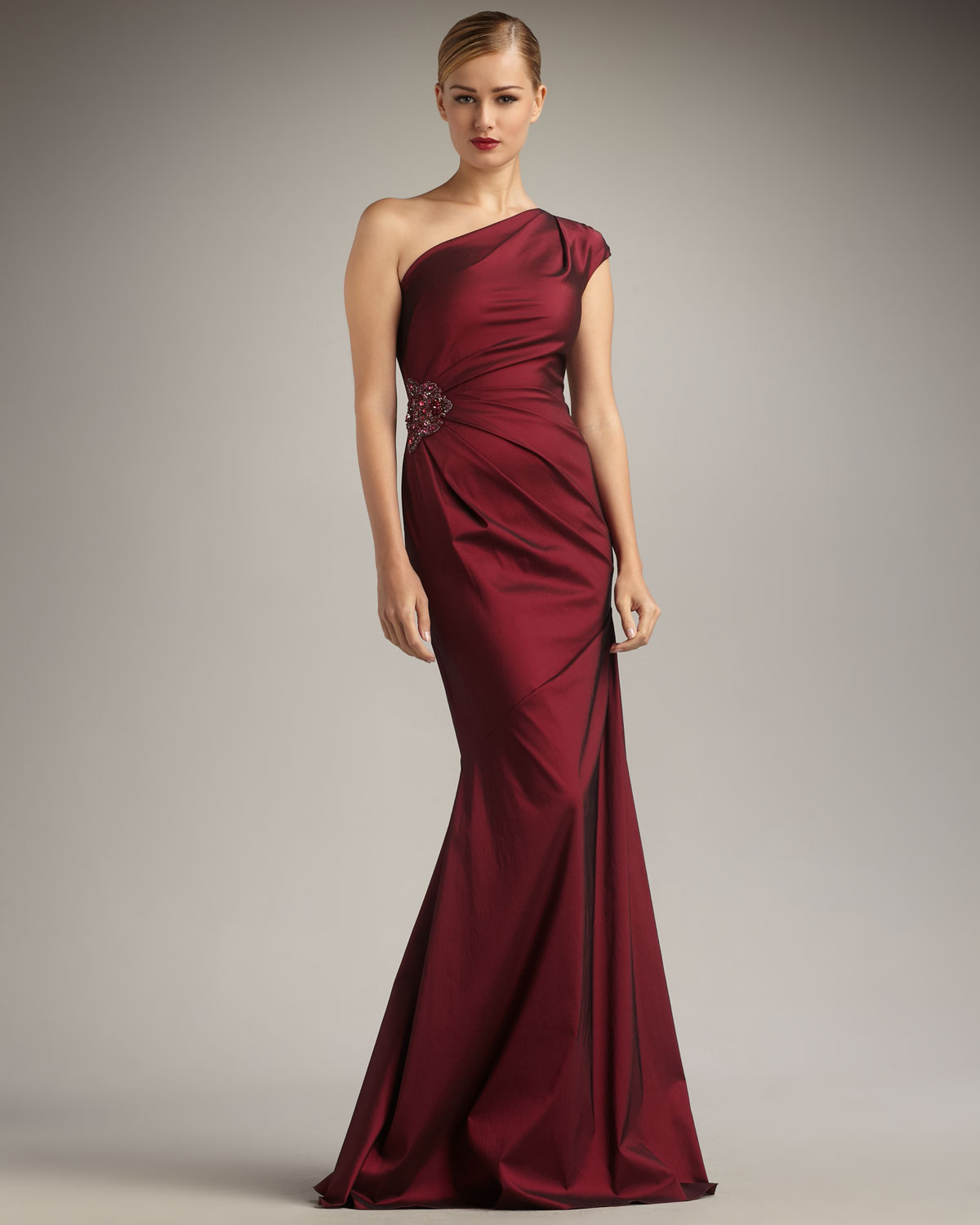 Lyst - David Meister Cap-sleeve One-shoulder Gown in Red
