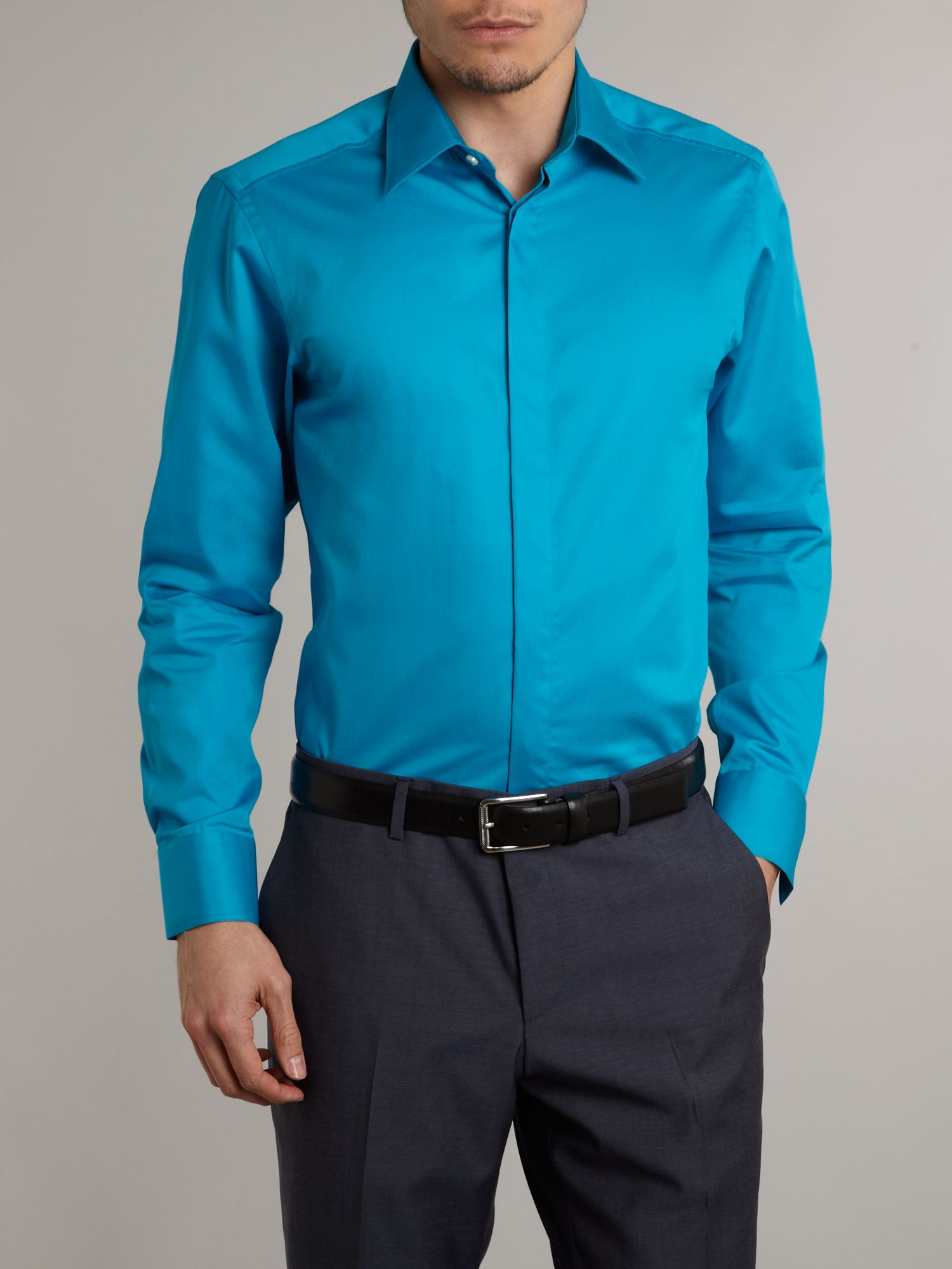 how to wear a plain black long sleeve shirt