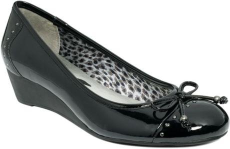 Anne Klein I Flex Women Patent Shoes