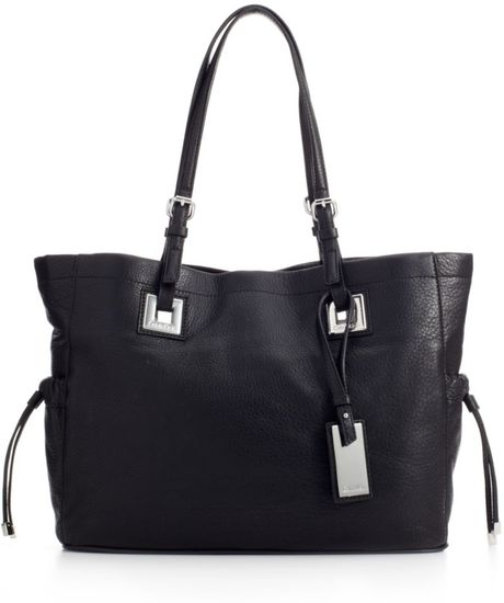 Calvin Klein Exclusive Leather Tote in Black - Lyst