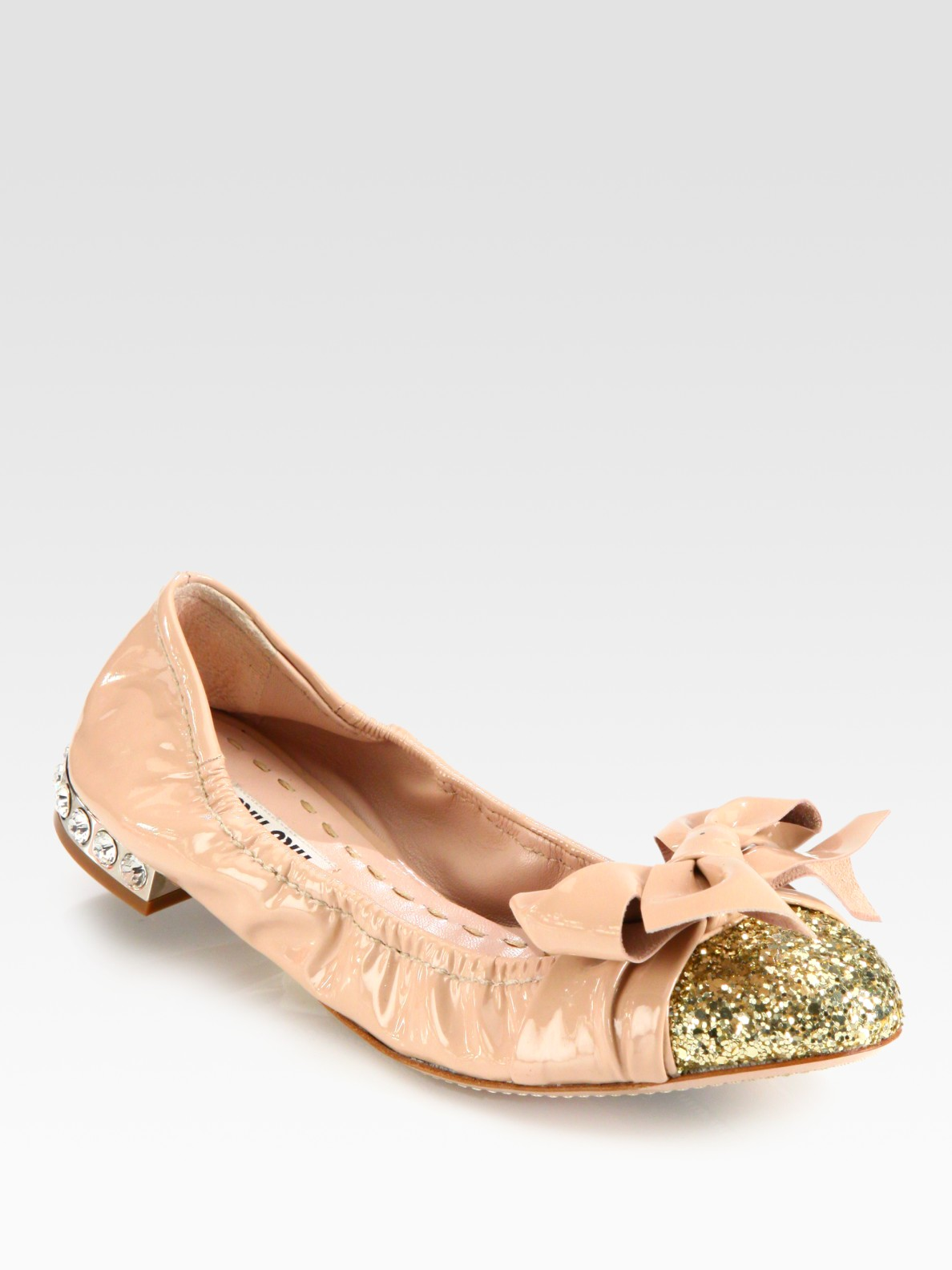 0a461563acdcc Miu Miu Glitter Patent Leather Bow Ballet Flats in Natural - Lyst