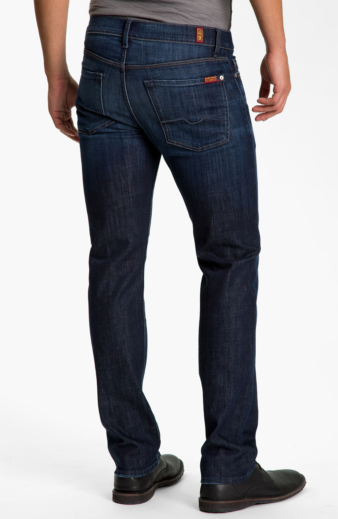 Rich, dark denim structures five-pocket jeans with a vintage look and a clean, tailored silhouette. Graduate jeans fit like the Protégé on top and the Matchbox from knee to ankle, pairing a relaxed waist with a slim tailored leg.