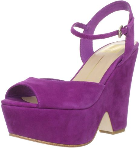 Dolce Vita Dolce Vita Womens Jacobi Wedge Sandal in Purple (magenta suede)