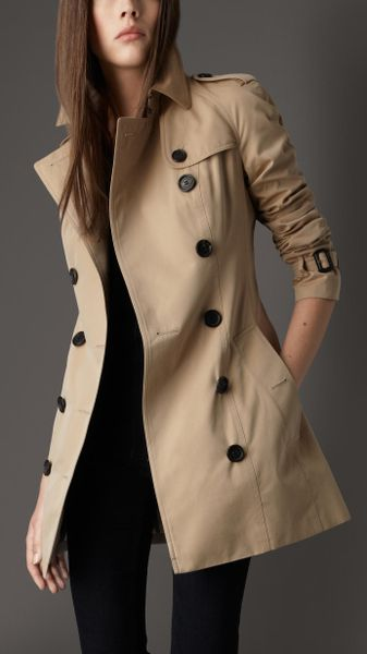 Burberry Short Cotton Gabardine Raglan Trench Coat In
