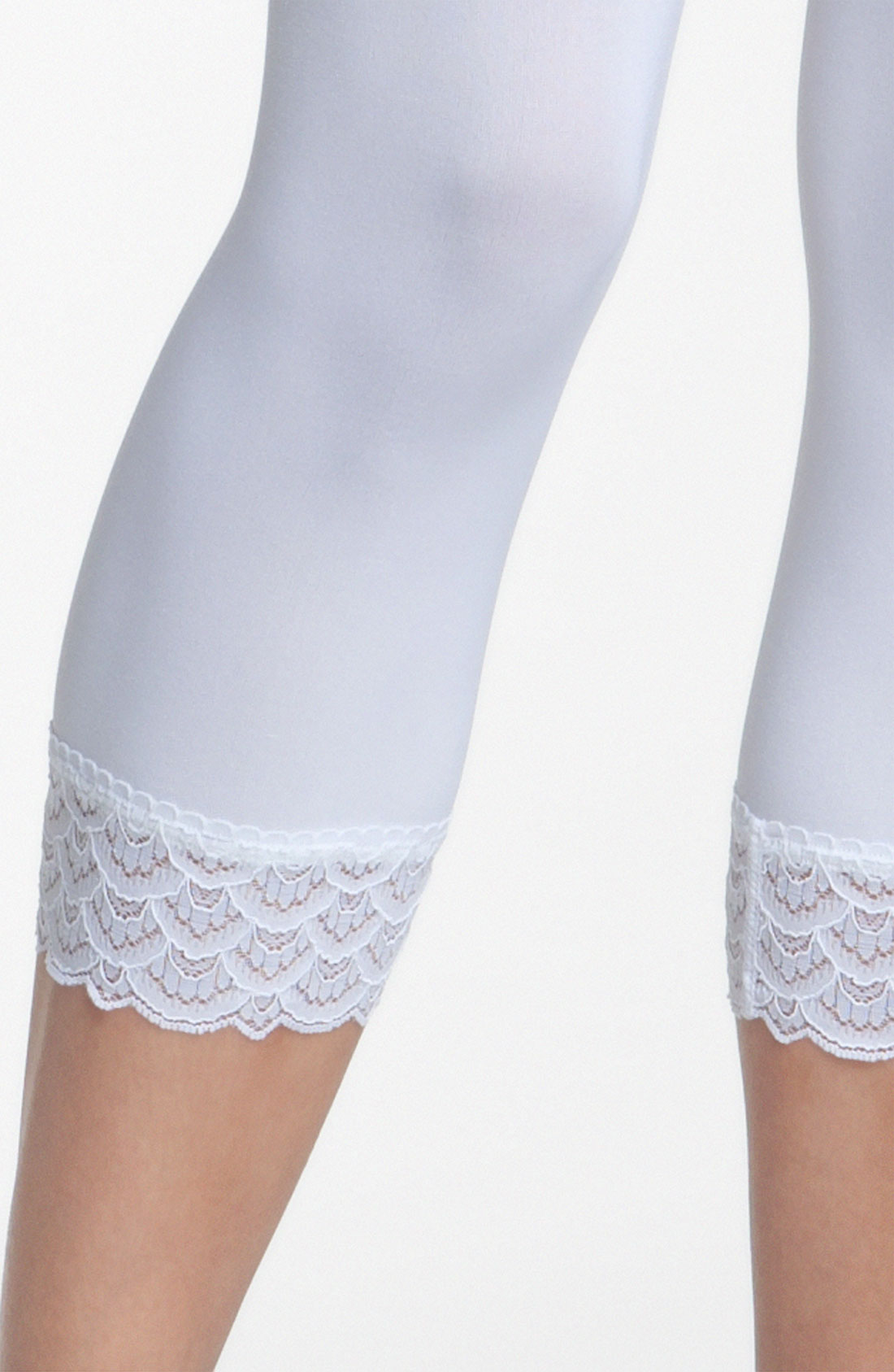 Wolford Peacock Lace Capri Leggings in White | Lyst