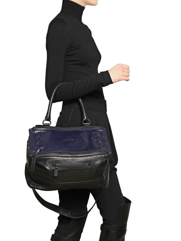 64dab600590 Givenchy Medium Pandora Stars Shoulder Bag in Blue - Lyst