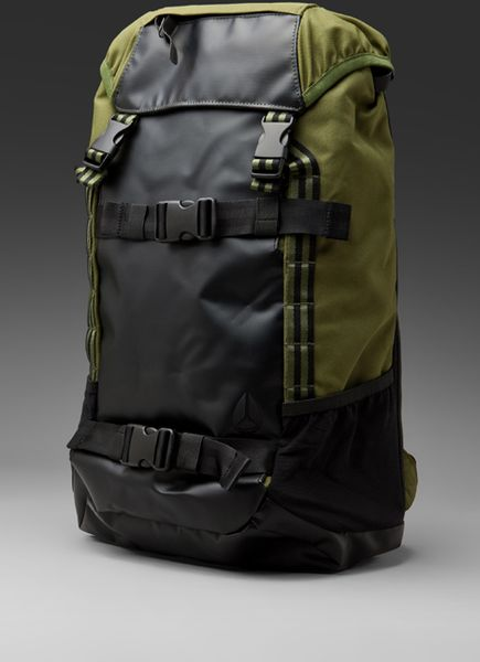 Nixon Landlock Backpack in Green for Men (army stripe)