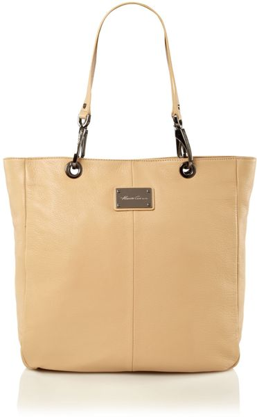 Kenneth Cole Handle It Over Leather Tote Of The Town in Beige (natural)
