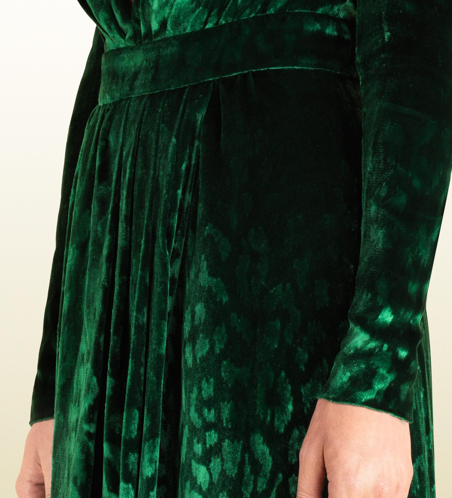 11c94f8da6c16 Lyst - Gucci Velvet Deep Vneck Gown in Green