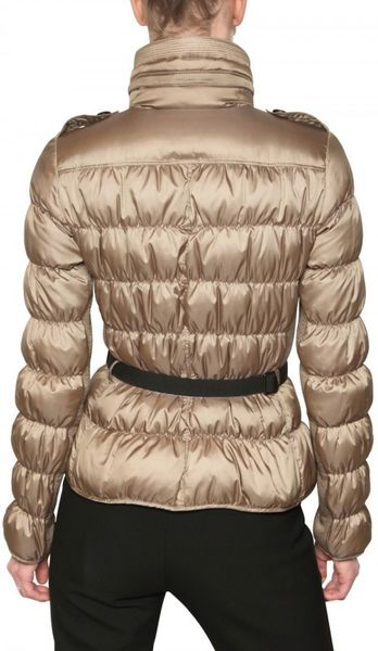 Burberry Sutherland Belted Technical Satin Jacket in Gold (beige)