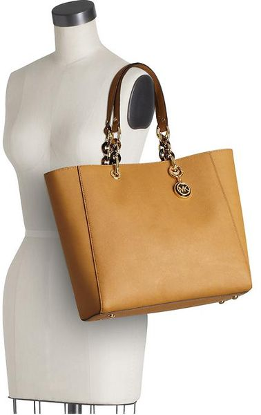 Low Cost Michael Kors Cynthia Totes - Bags Michael By Michael Kors Cynthia Large Tote Tan