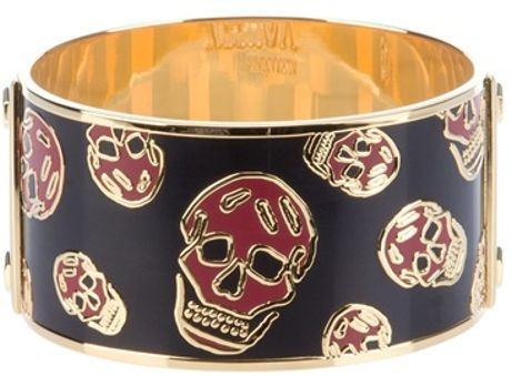 Alexander Mcqueen Skull Cuff Bracelet in Gold