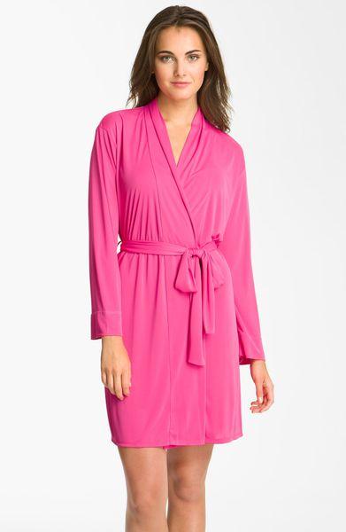 Natori Aphrodite Short Robe in Pink (magenta)