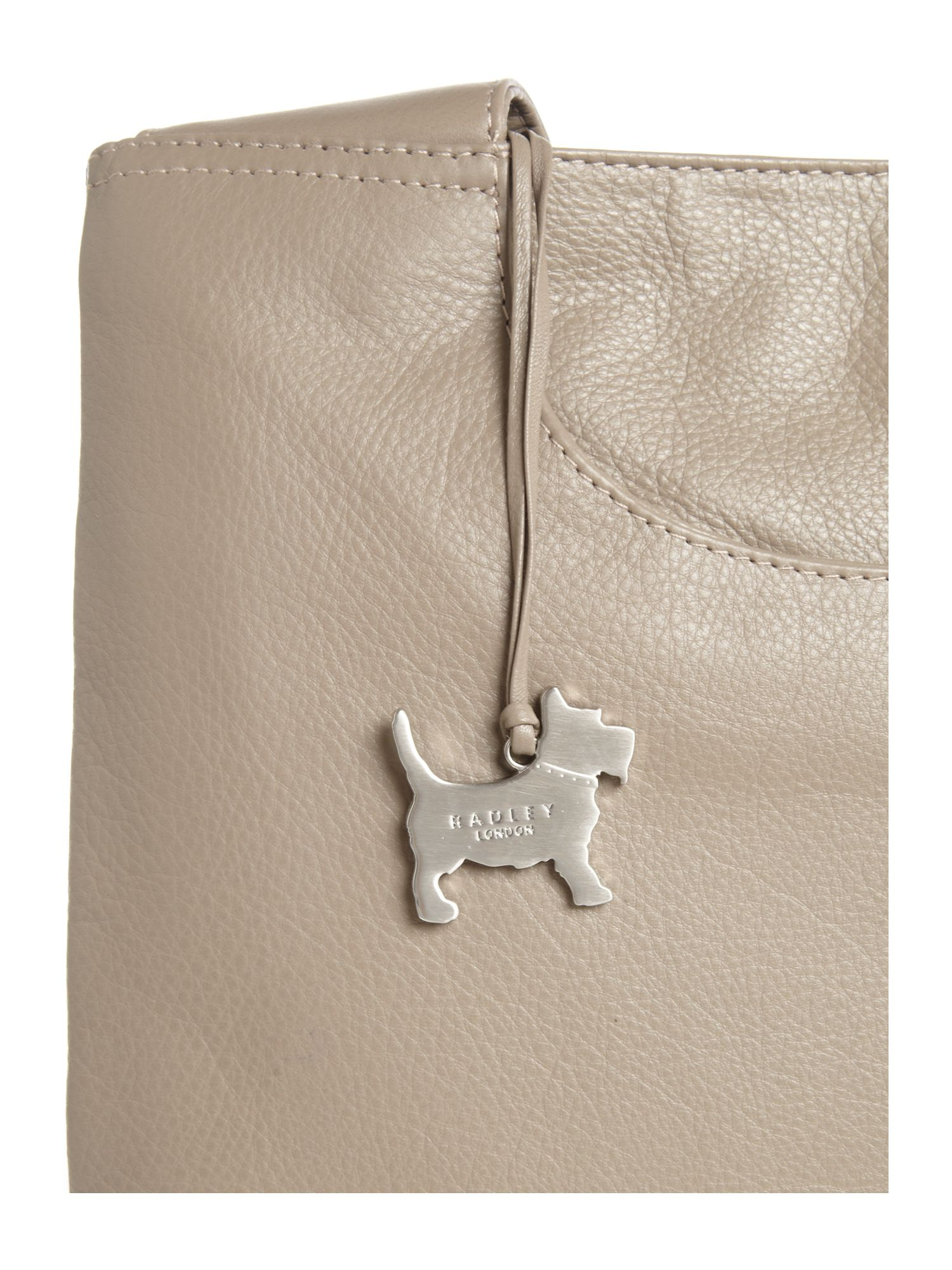 Radley Pocket Bag Medium Cross Body Bag in Grey (Natural)