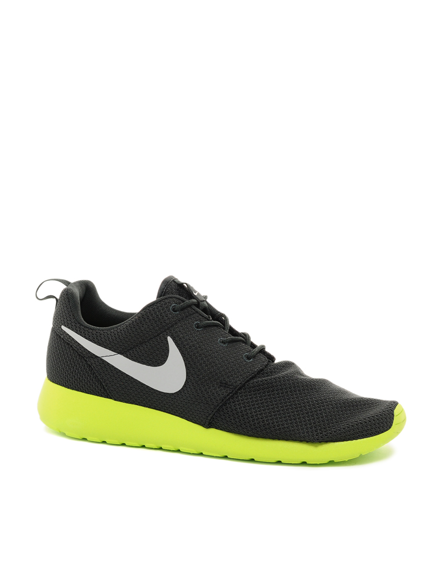nike roshe run anthracite wolf grey in gray for men. Black Bedroom Furniture Sets. Home Design Ideas