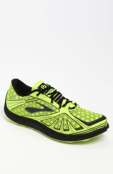 grit running shoe in green for nightlife