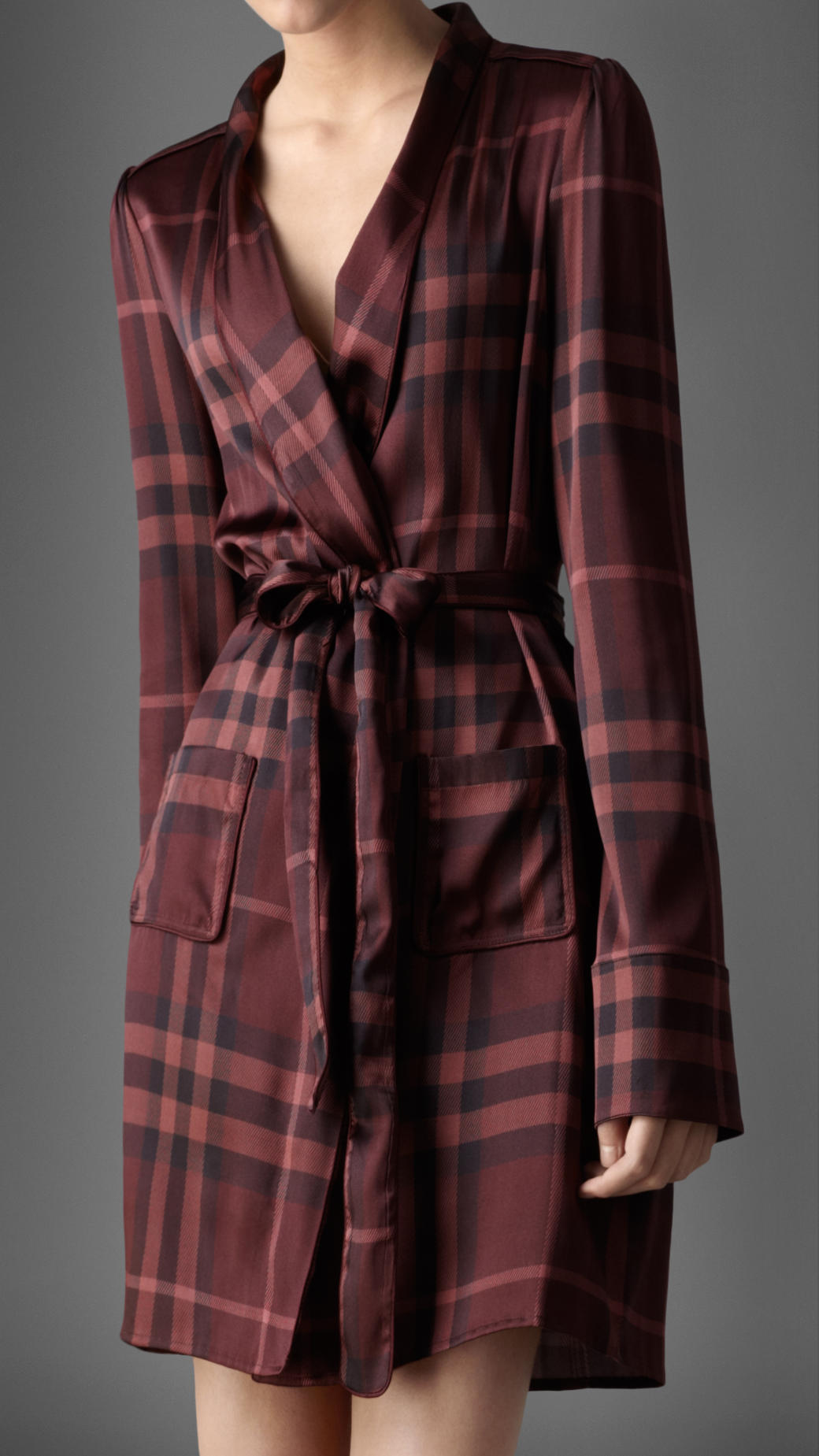 Burberry Check Silk Dressing Gown in Red - Lyst