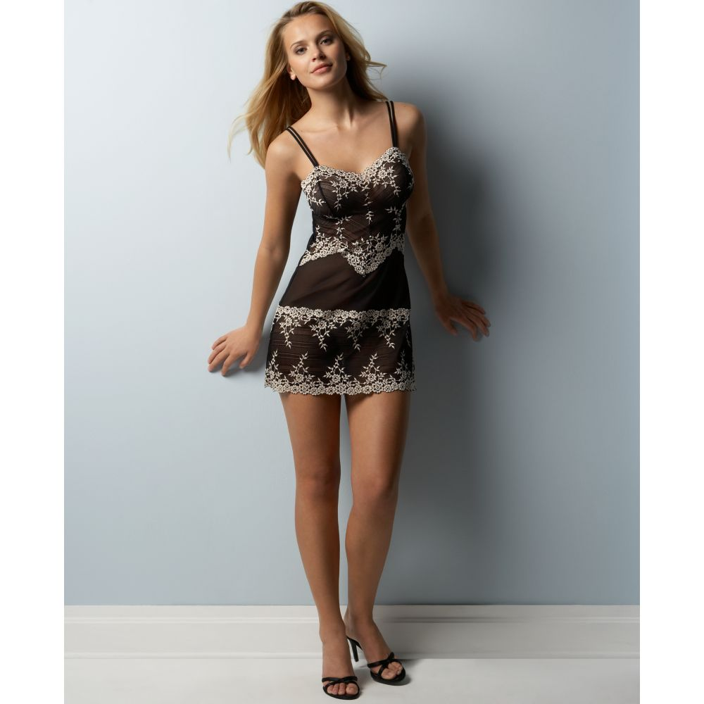 11345209203 Wacoal Black Embrace Lace