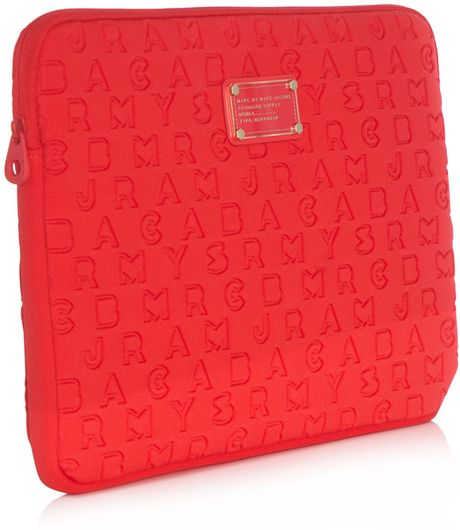marc by marc jacobs dreamy logo 11 laptop case in red lyst. Black Bedroom Furniture Sets. Home Design Ideas