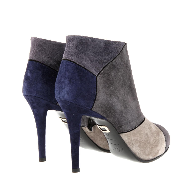 roger vivier prismick color block boots in suede in gray