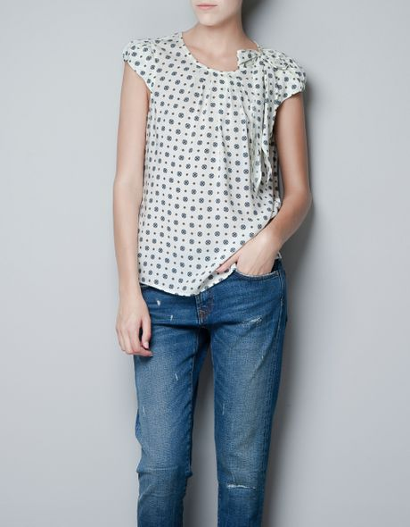 Zara Printed Top with Bow On The Shoulder in White (off white)