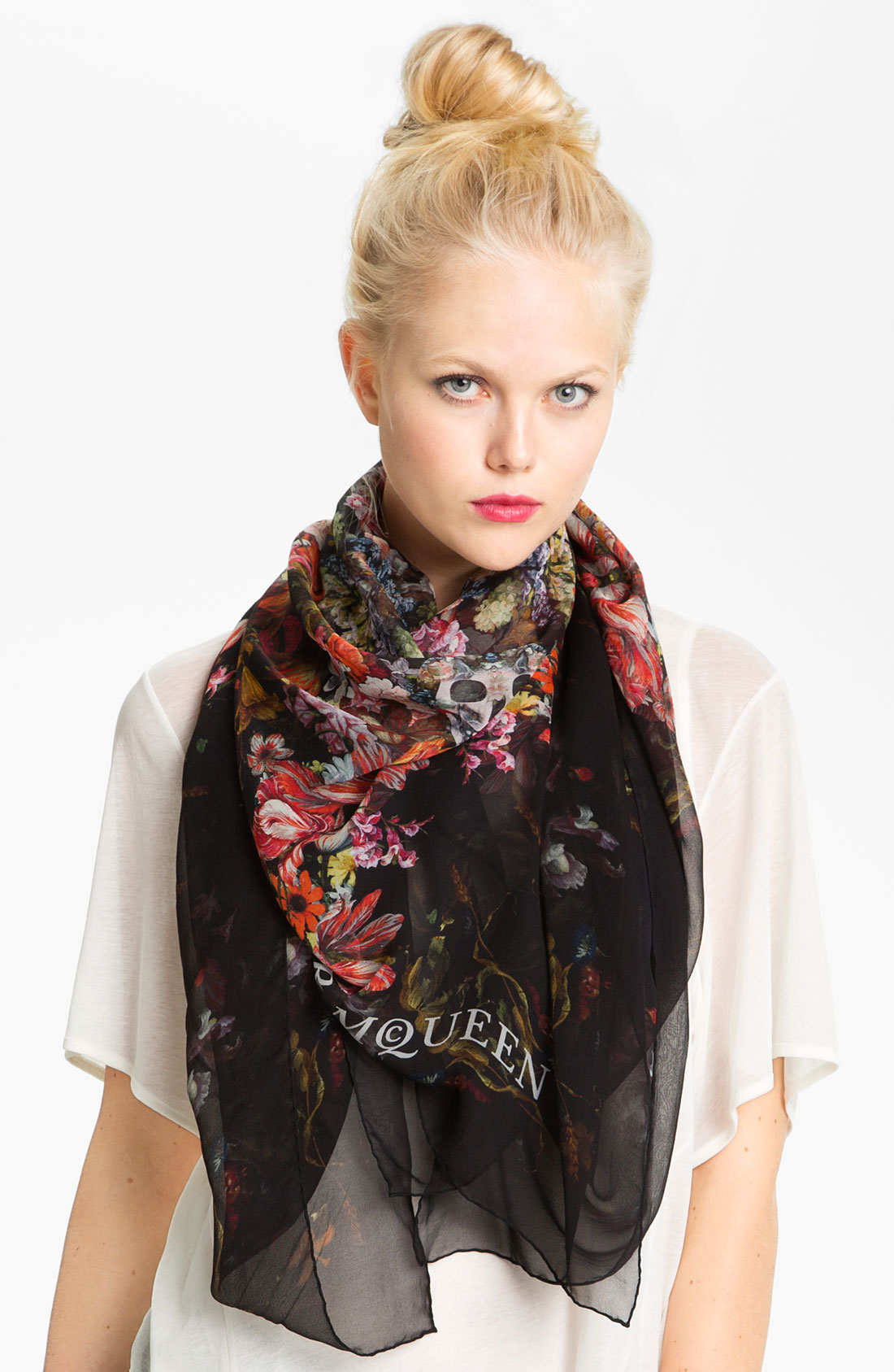Lyst - Alexander mcqueen Vermeer Skull Silk Scarf in Black