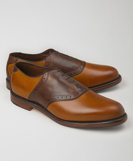 how to wear mens saddle shoes