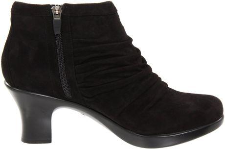dansko dansko womens buffy ankle boot in black black