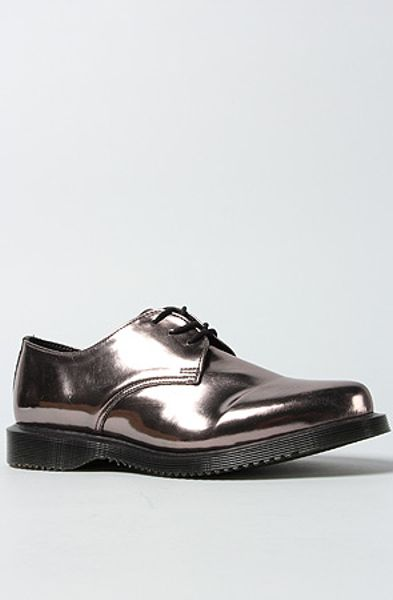 Dr. Martens The Tanner 3eye Pointed Shoe in Pewter in Silver (pewter)