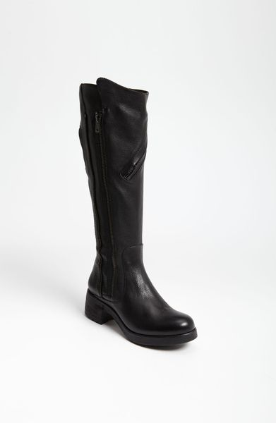 Vera Wang Footwear Evan Boot in Black