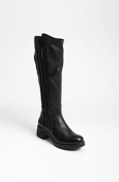 Vera Wang Footwear Evan Boot in Black