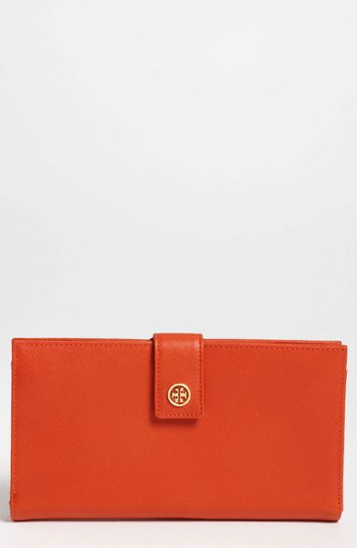 Tory Burch Robinson Oversized Travel Wallet In Orange Wildberry  Lyst