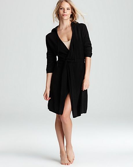 Ash Arlotta Cashmere Short Wrap Robe with Hood in Black (flannel)
