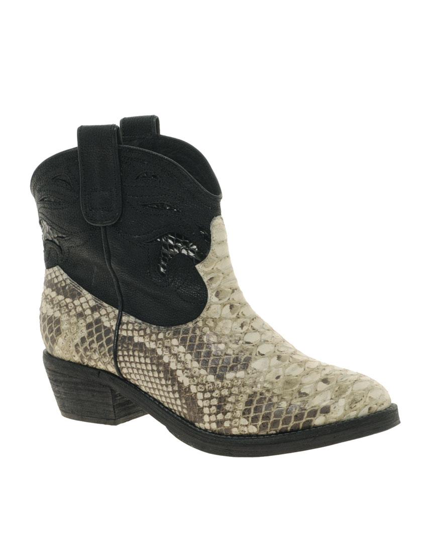 8f5f88d204e80 Gallery. Women s Cowboy Boots Women s Saint Laurent Vika Women s Balenciaga  Ceinture Women s Sam Edelman ...